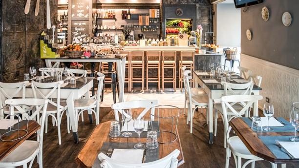 <b>Buddy Bar & Telethon</br>Zona Corso Vittorio Emanuele II</b></br></br>Per allietare la maratona del Telethon grande degustazione di crostacei e tartare. Apericena con drink 20 euro (devoluti a Telethon)</br>